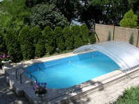Eltolható polikarbonátos medence fedési rendszer
